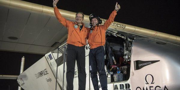 Solarflugzeug Solarimpulse gelingt erste Weltumrundung