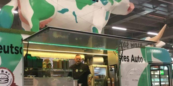 Biotech-Unternehmen geht mit Burger-Foodtruck auf Deutschlandtour