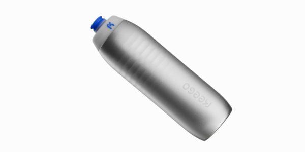 KEEGO begeistert mit der ersten, quetschbaren Trinkflasche aus Titan