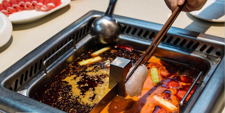 Chinesisches Restaurant versüßt lange Wartezeiten mit kostenloser Maniküre und mehr